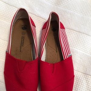 Woman's flats Red and white